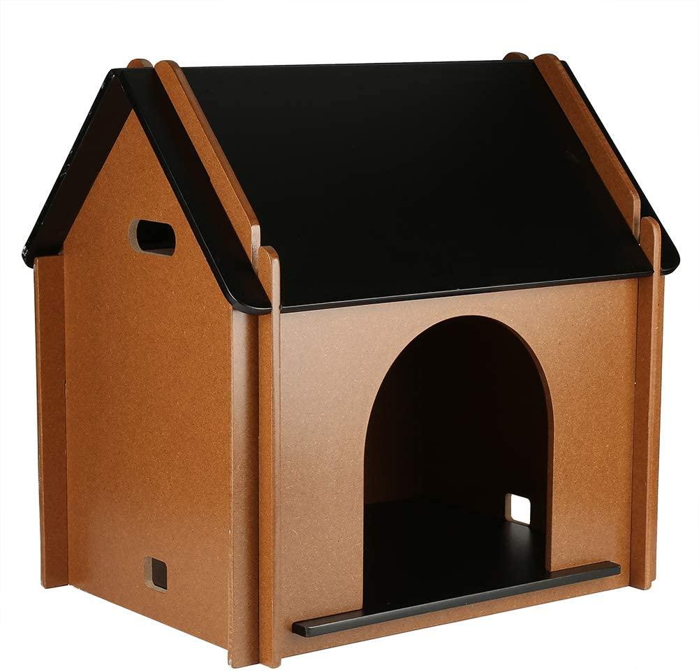casa para gatos tradicional. Casa de madera para gatos
