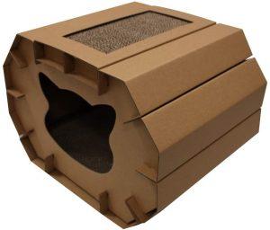 Casa de cartón para gatos con rascador